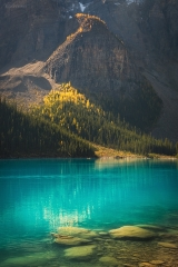 Moraine Lake in fall, Banff National Park, AB, Canada